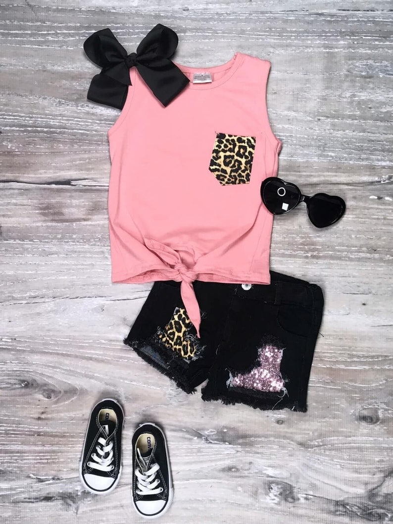 2T 3T 4T 5 6 7 8 10 Sassy Pink Cheetah Sequin Tie Tank Denim Patch Shorts Outfit Girl/'s Summer Boutique Sequin Cheetah Shorts Set Toddler