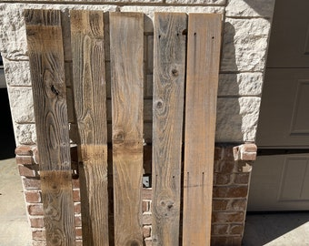"""Weathered Old Barn Wood Planks, Old Fence Boards, 5 Fence Boards,  48"""" Long, Weathered Cedar Wood Planks, Great For Crafting & DIY projects"""