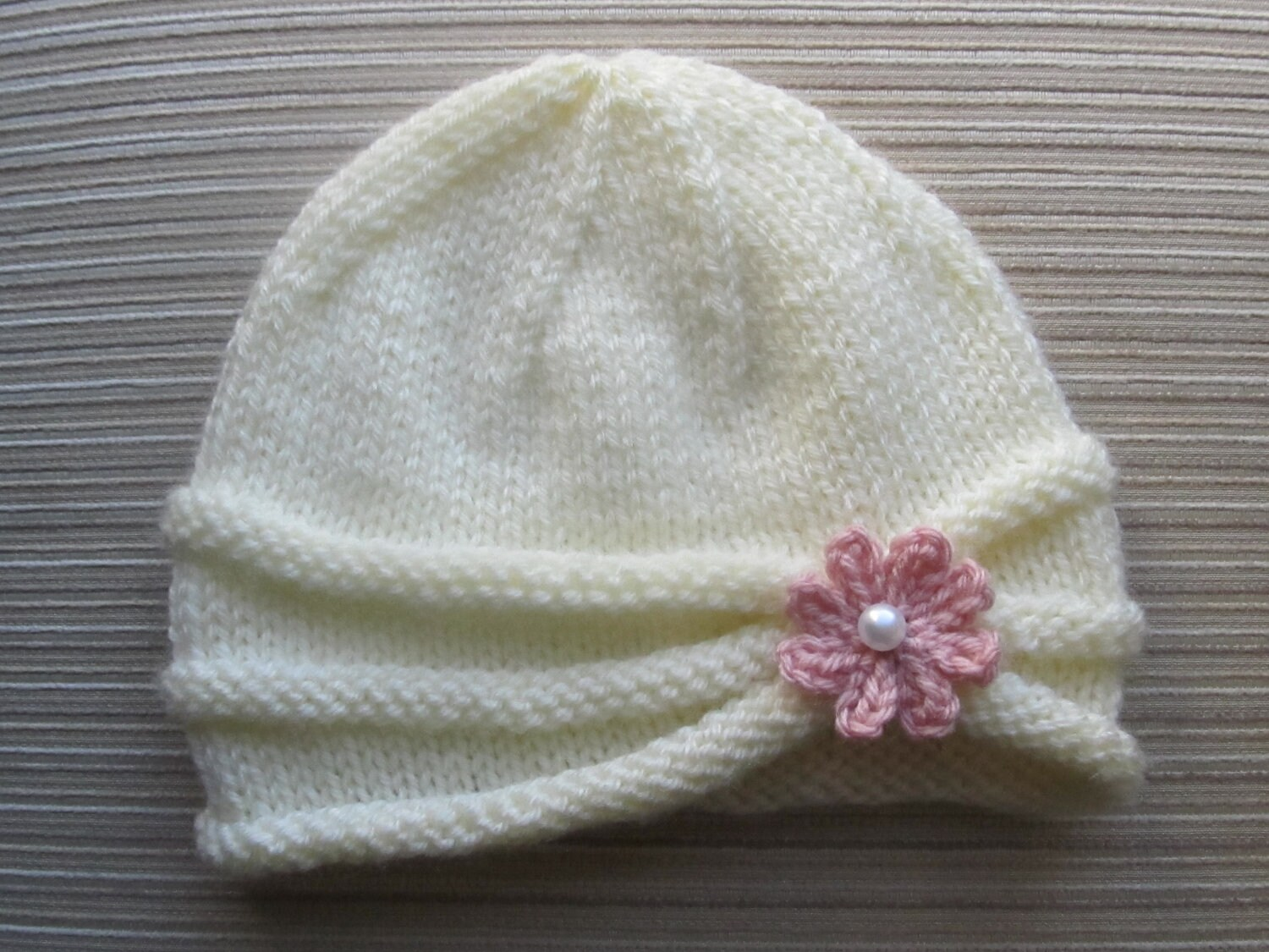 Perfect Knit Kid Hat Pattern Crest - Decke Stricken Muster ...