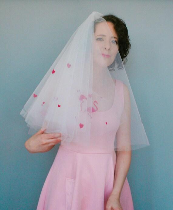 Vestiti Da Sposa Kitsch.Amore Cuori Fenicottero Velo Velo Da Sposa Di Kitsch E Etsy