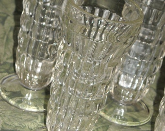 Set of 4 vintage sherbet dessert glasses with pedestal