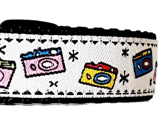 Doggo - Dog Collar / Adjustable / Large Dog collar / Selfies / Pelfies / Pet Influencer / Instamutt / Puparazzi / Small Dog Collar / Camera