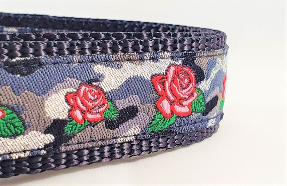 Camo & Roses - Dog Collar / Adjustable / Large Dog Collar / Roses / Camouflage / Dog Collar / Camouflage Dog Collar / Flowers