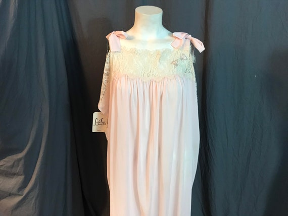 Vintage 70's Lucie Ann Deadstock long pink nightgo