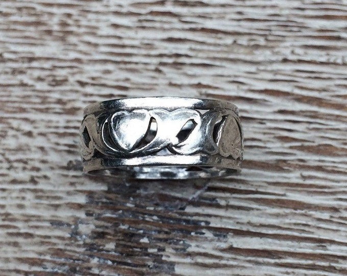 Vintage Heart Ring | Sterling Silver Band | Size 8