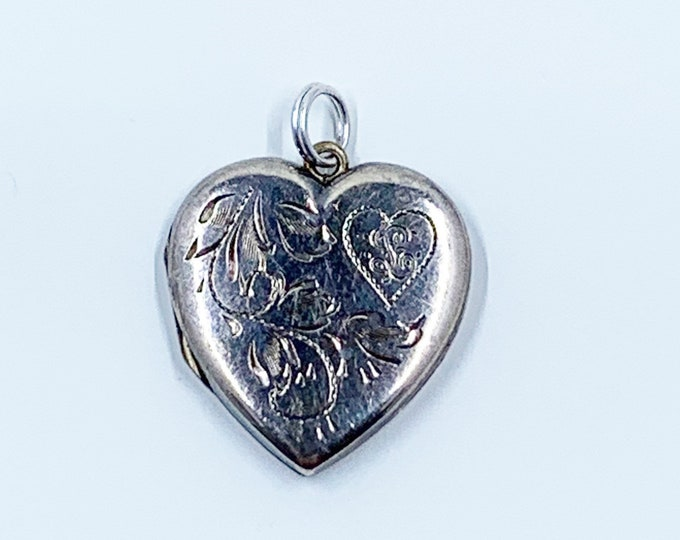 Vintage Gold Heart Floral Locket   Engraved Flower Heart Locket