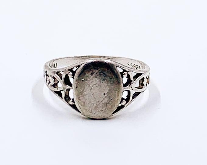 Vintage Silver Signet Ring | Sterling Silver Lind Signet Ring | US Size 7 1/4 Ring