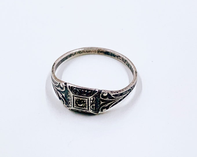 Vintage Small Silver Signet Ring | Vintage Sterling Uncas Ring | US Size 3 Ring
