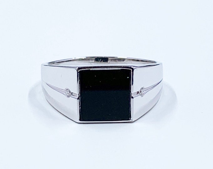 Vintage 10k Onyx and Diamond Signet Ring | White Gold Signet Ring | Size 13 1/2 Ring