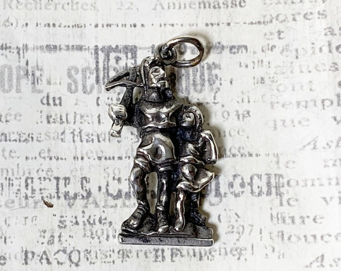 Vintage Silver Medieval Knight Charm