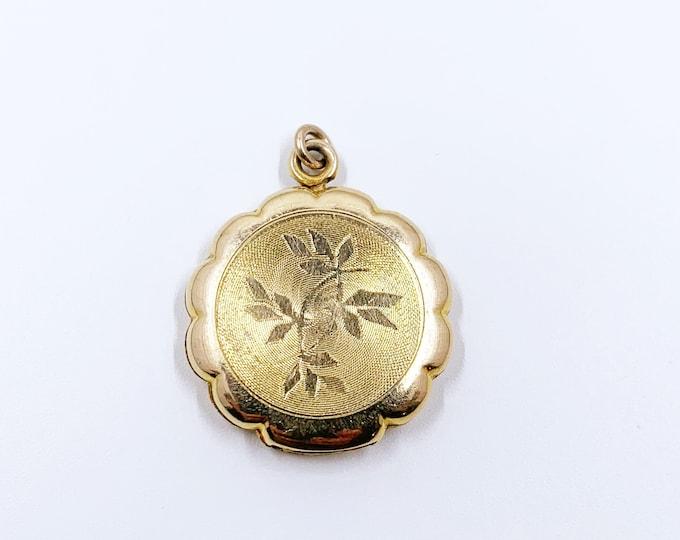 Vintage LaMode Etched Floral Locket | Vintage Gold Filled Scalloped Locket