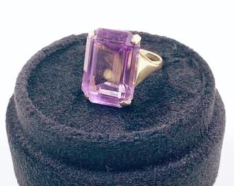 Vintage 14k Gold Amethyst Cocktail Ring | Retro 14K Gold Amethyst Solitaire Ring | Emerald Cut Amethyst Ring | Size 6 1/4 Ring