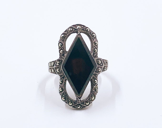 Vintage Silver Art Deco Style Marcasite and Onyx Ring | Size 6 1/2