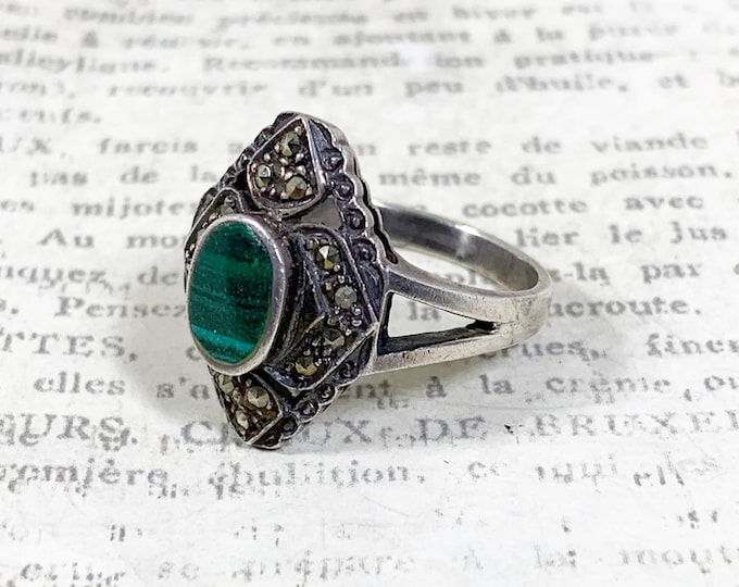Vintage Silver Malachite and Marcasite Ring | US Size 7 1/4