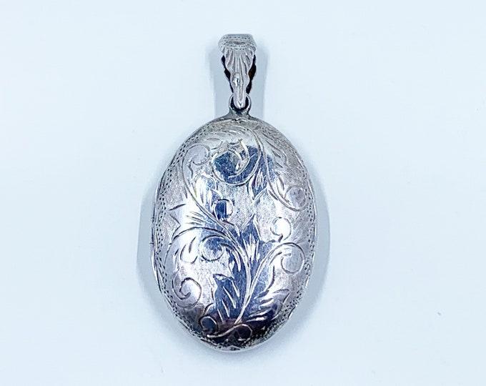 Vintage Silver Oval Engraved Locket | Large Oval Silver Locket