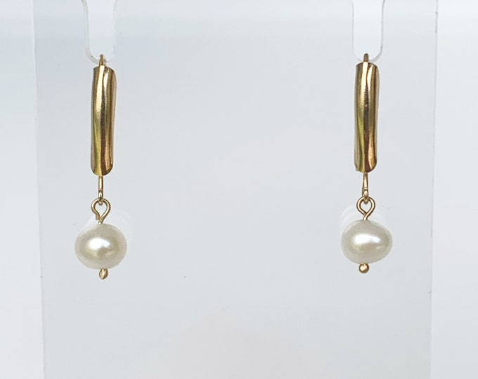 Vintage Gold Pearl Drop Earrings | Classic Pearl Earrings | Dainty 14K Pearl Earrings