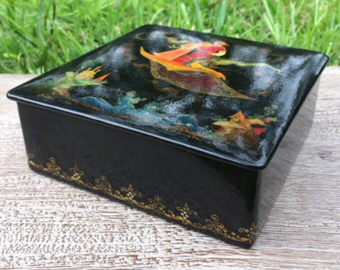 Vintage Russian Lacquer Box | Hand Painted Box | 1973 Palekh Savelyicheva | Flying Carpet Fairy Tale Scene