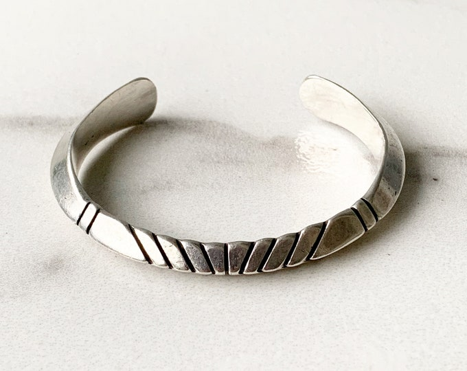 Vintage Silver Thick Peaked Cuff Bracelet | Saw Cut Cuff | Ron Henry Navajo | Native American Jewelry