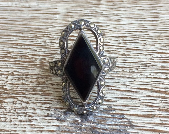 Vintage Silver Marcasite and Onyx Ring | Size 6 1/2