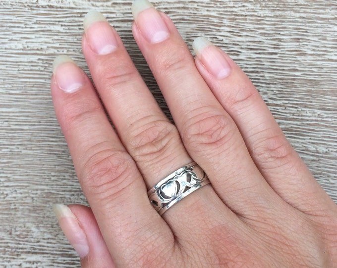 Vintage Heart Ring Sterling Silver Band | Size 8