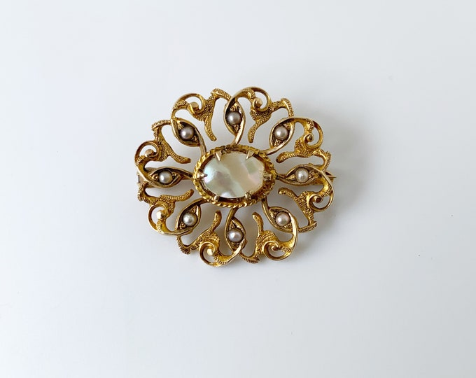 Vintage Seed Pearl Brooch | Mother of Pearl | Gold Brooch