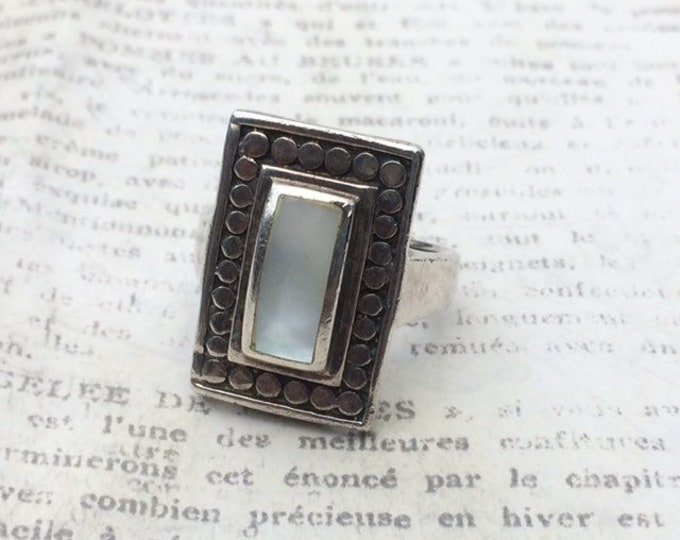 Vintage Modernist Silver Mother of Pearl Ring | Abstract MOP Ring | Size 6 1/4