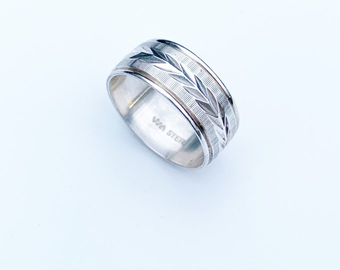 Vintage Silver Engraved Band Ring   Size 7 1/4