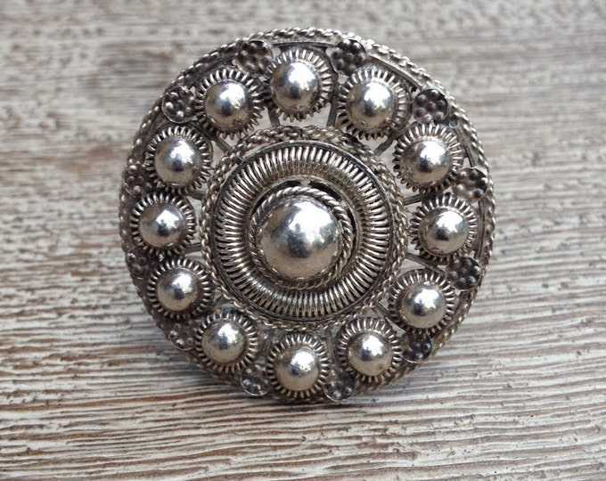 Vintage Cannetille Brooch | Etruscan Style | Silver Medallion