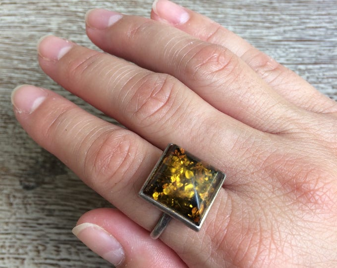Vintage Silver Amber Ring | Domed Cabochon | Size 8 1/2 Ring