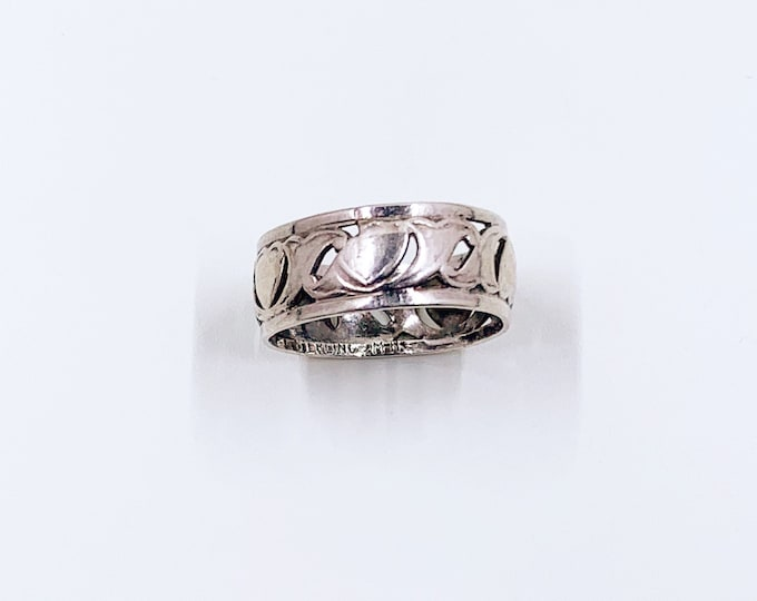 Vintage Heart Ring | Sterling Silver Band | Size 8 Ring