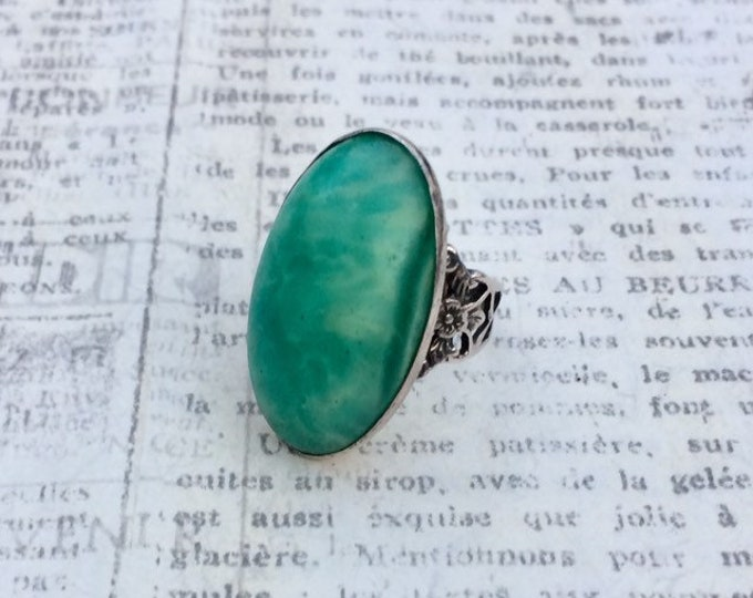 Vintage Silver Art Deco Peking Glass Ring | Marbled Oval Green Cabochon | Size 3 3/4