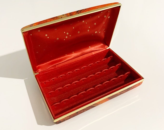 Vintage Red Clamshell Jewelry Box | Retro Clamshell Earring Case | Mele Style Hard Case Jewelry Box
