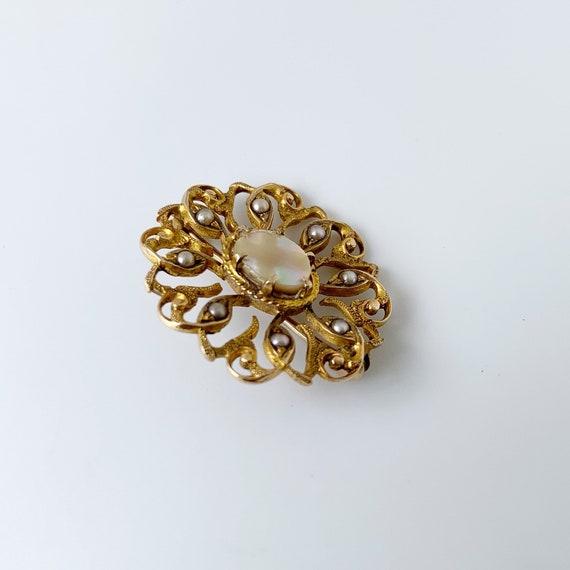 Vintage Seed Pearl Brooch | Mother of Pearl | Gol… - image 5