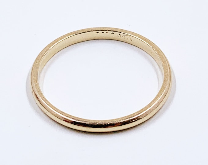 Vintage 14K Gold Wedding Band Ring | 1.9 mm Gold Stackable Band Ring | Size 7.5 Ring