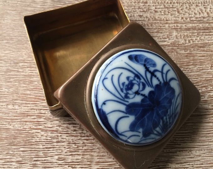 Vintage Delft Blue Brass Box   Trinket Container   Ring Box