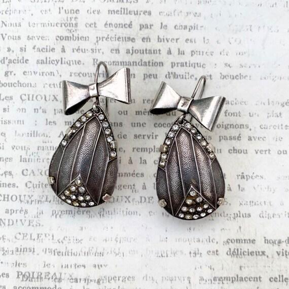 Vintage Silver Art Deco Bow Earrings | Tear Drop E