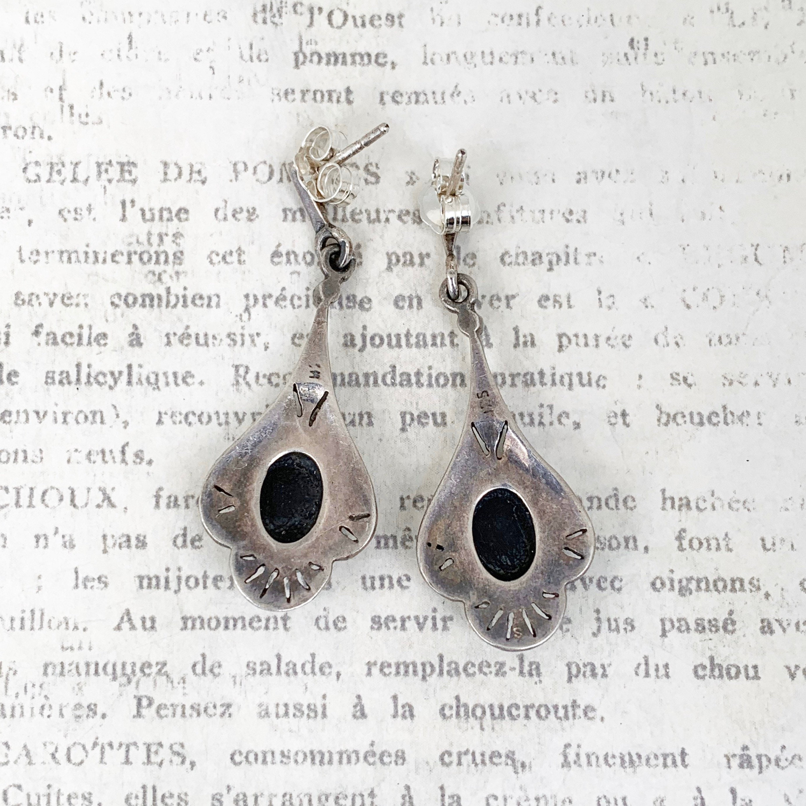 Un R De Deco vintage onyx and marcasite drop earrings | art deco style