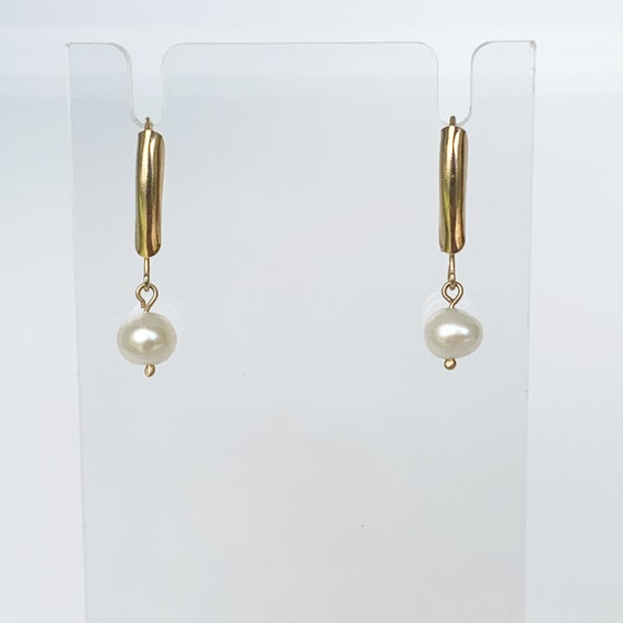 Vintage Gold Pearl Drop Earrings | Classic Pearl E