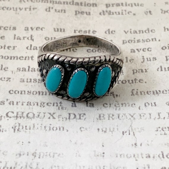 size 5.75 vintage Bell Trading Post needlepoint ring