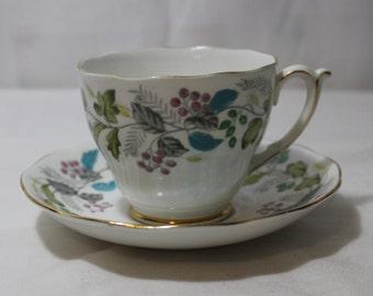 """Vintage ROSLYN Fine Bone China """"Sweet September"""" Tea Cup & Saucer, England"""