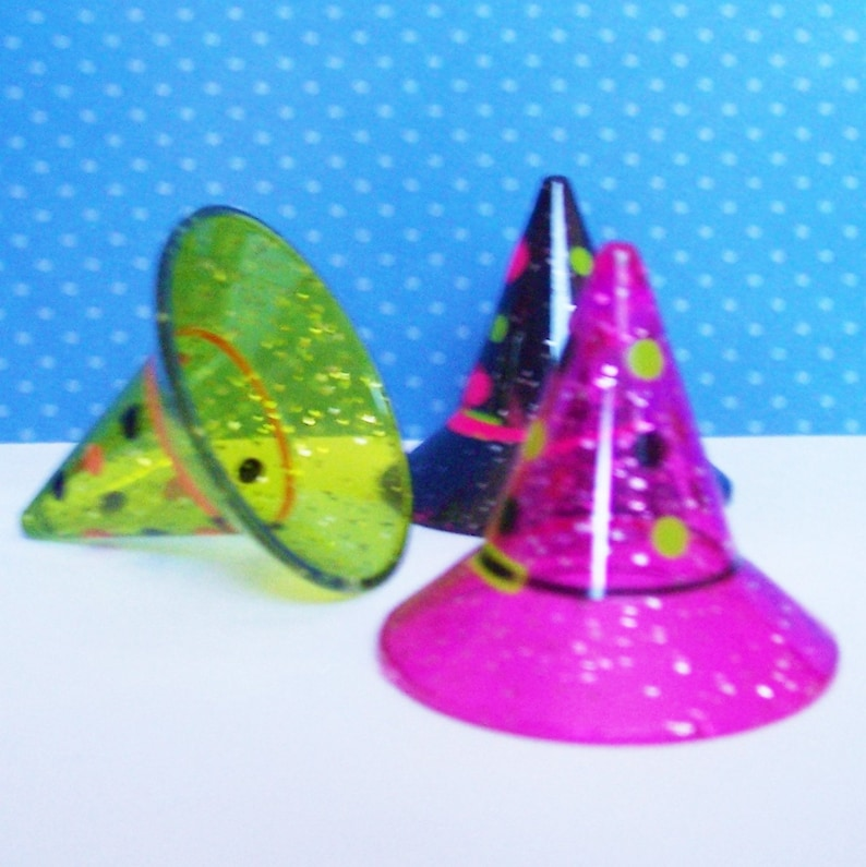 6 Witch Hat Cake Decorations in 3 Colors