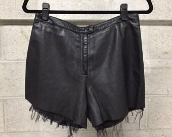 Short en cuir avec ourlet brut Vintage noir