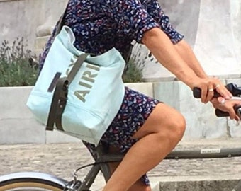 Vegan Messenger Bag, Lightweight Crossbody Bag, Unisex Bag, Shopper, Bike Bag, Recycled Unused Car Airbag / Upcycledby peace4youBAG-2020