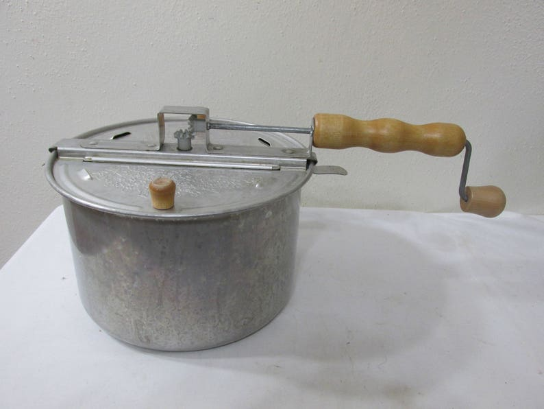 Popcorn Popper Hand Crank Vintage Aluminum Whirley Pop Old Fashion Fun
