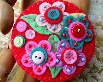 Frida kahlo inspired handmade statement felt brooch - Lipstick Red - MADE TO ORDER - gift for her - handmade gift - gift - Brooch gifts