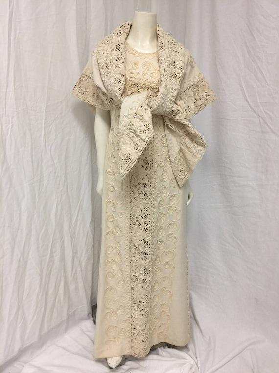 Sleeveless floorlength cotton dress with soutache