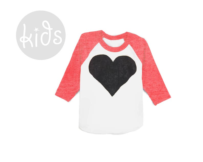 34 Sleeve Crew Neck Baseball Tshirt in Heather Red White and Black Baby Kids /& Youth Sizes Heart Raglan Tee