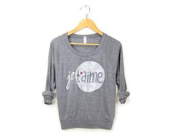 SAMPLE SALE Je T'aime Sweatshirt - Oversized Lightweight Long Sleeve Pullover Raglan Sweater in Heather Grey & Red Heart - Women's XL