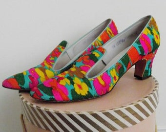 312f4a36b vintage 60s Floral Heels   Colorful Mod Shoes in Excellent condition buy  Town and Country