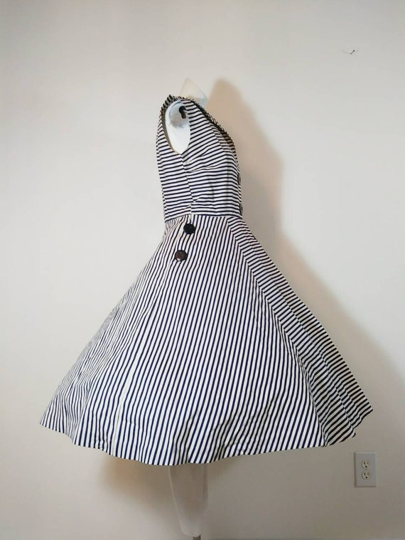 Vintage 50s circle skirt dress / 50s stripes dres… - image 2